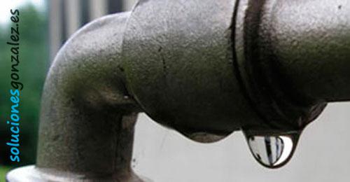 Reparación rápida de pinchazos en tuberías y goteras en el rebolledo