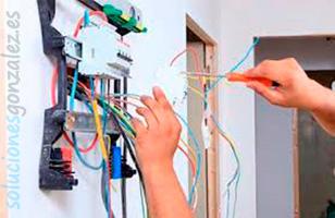 Revisión e instalaciones eléctricas en El Rebolledo